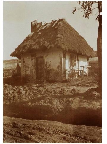 Хата в одному із сіл сучасного Демидівського району, 1916 р.